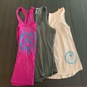 Bundle of 3 tank tops yogi